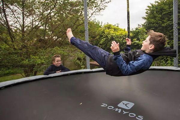 Par quel moyen choisir un trampoline?